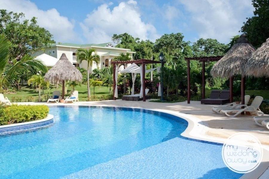 The pool - Luxury Bahia Principe Caya Levantado, Dominican Republic wedding venue