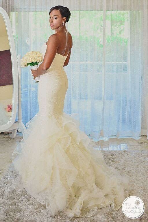 Wedding dress in Mexico Liz Moore Weddings loves it
