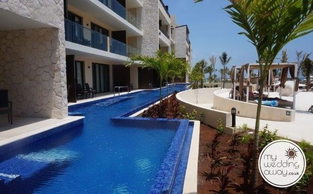 Royalton Cancun Swim out suites that are beautiful
