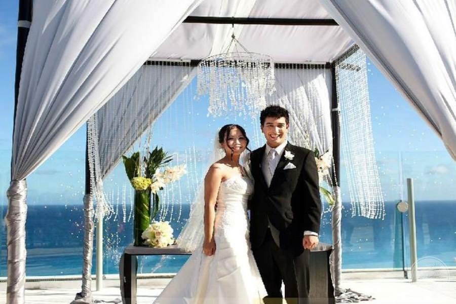 Beach Palace Sky Terrace Wedding Couple