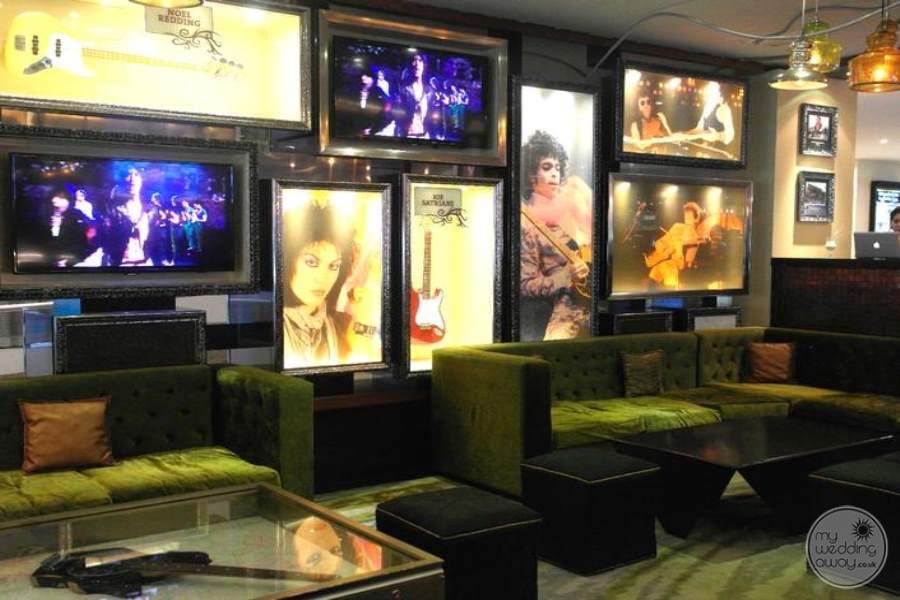 Hard Rock Hotel Cancun RocknRoll Bar