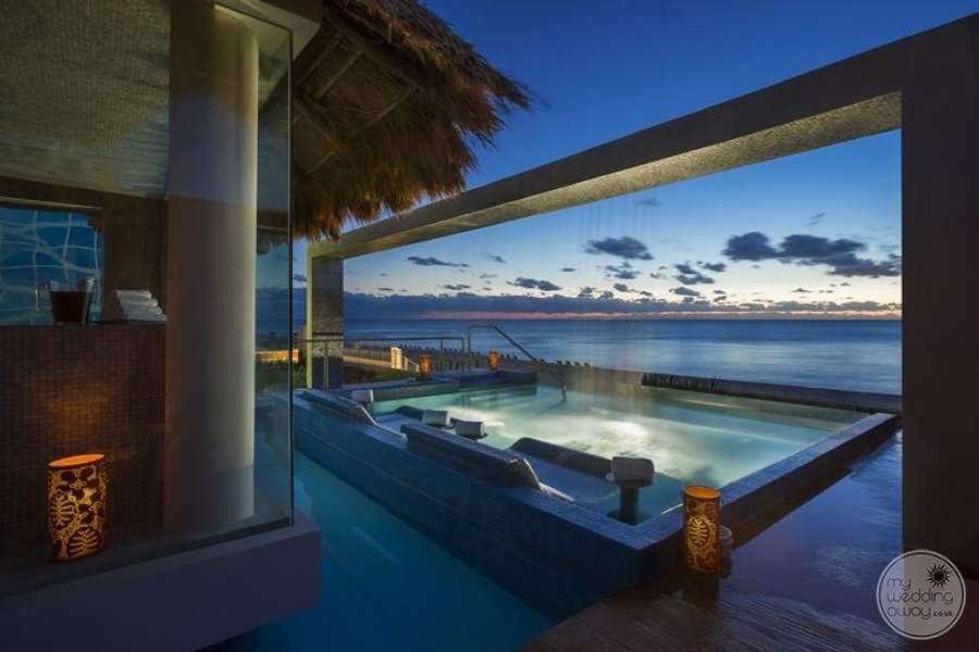 Hard Rock Hotel Cancun Spa Pool