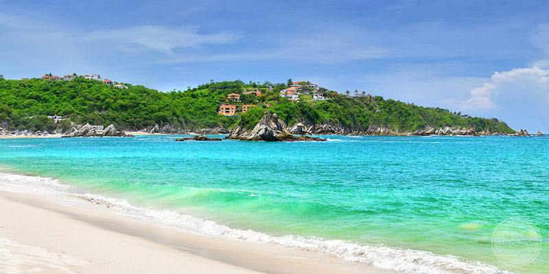 Huatulco Mexico for a Unique Destination Wedding