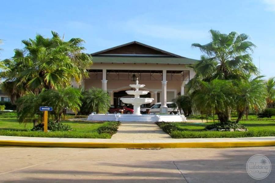 Husa Cayo Santa Maria Entrance