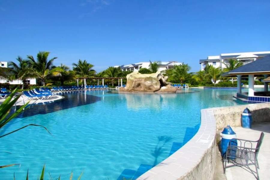 Husa Cayo Santa Maria Pool 4