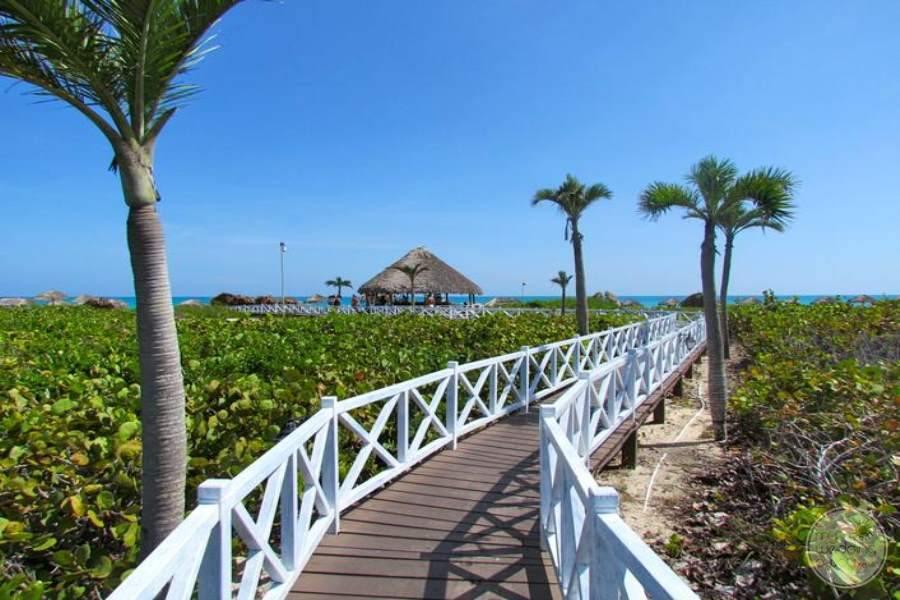 Melia Cayo Santa Maria Walkway to Beach