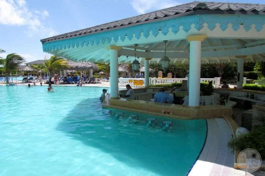 Main Swim up Pool