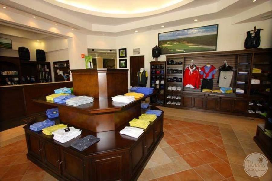 MoonPalaceGolf Villas Golf Attire