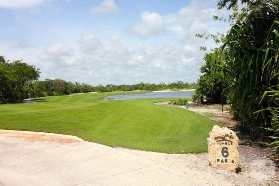MoonPalaceGolf Villas Luxury Golf Course