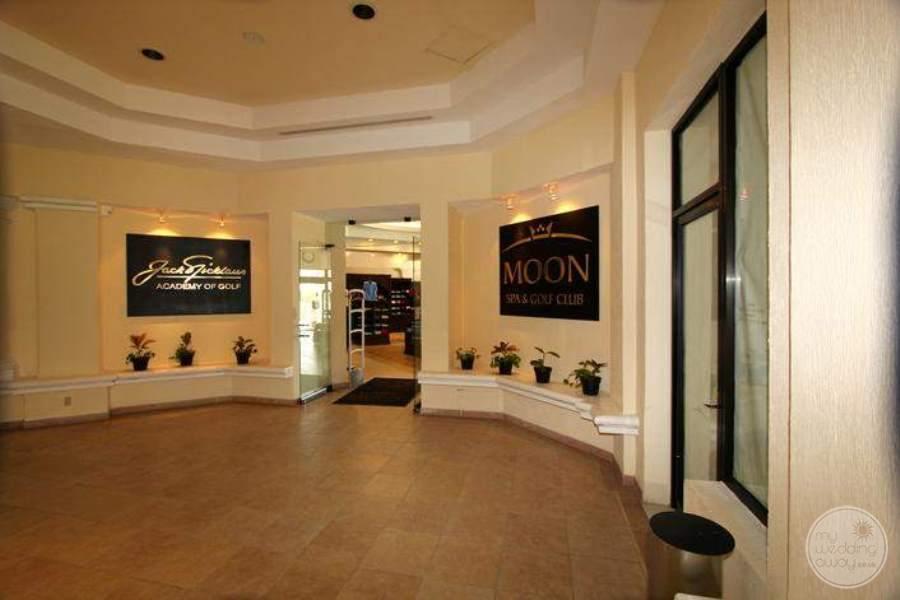 MoonPalaceGolf Villas Shopping