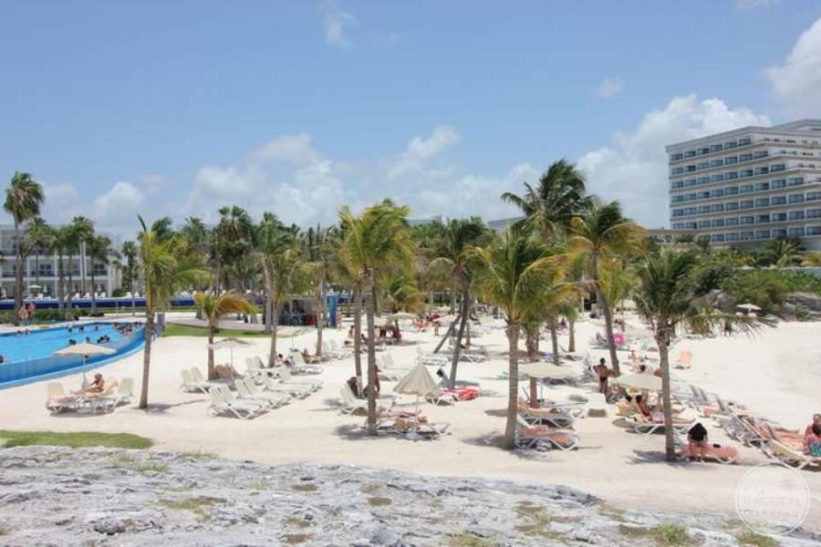 Riu Palace Peninsula Beach Area