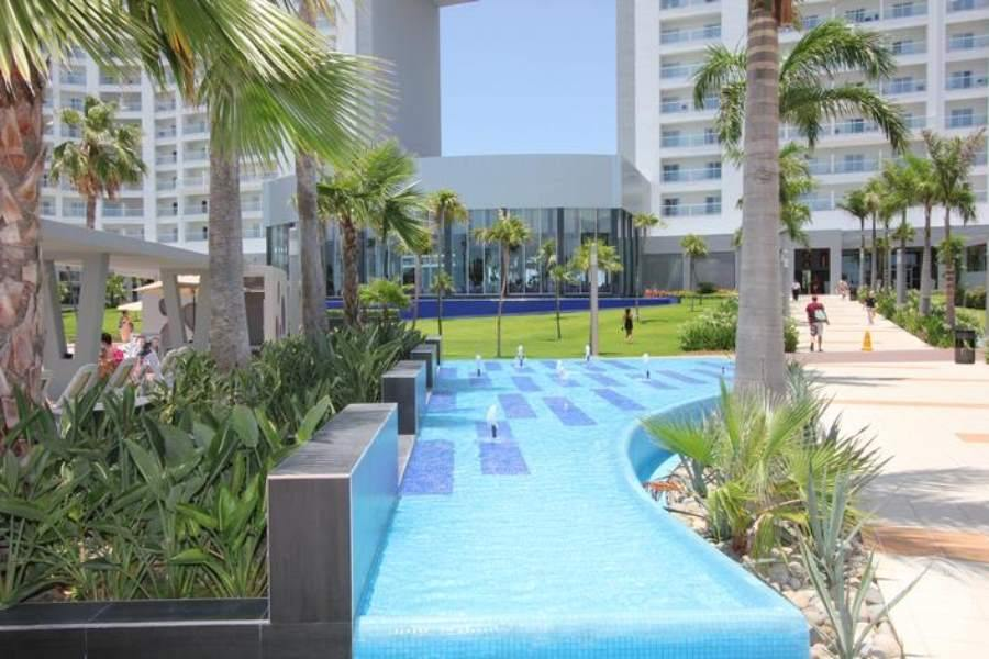 Hard Rock Hotel Cancun Grounds 2