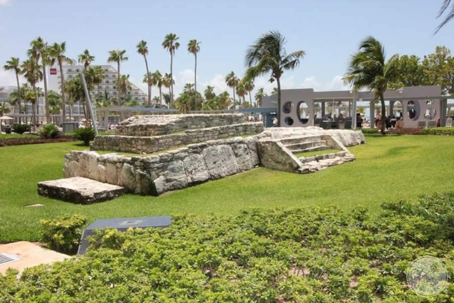 Riu Palace Peninsula Mayan Ruins on Site