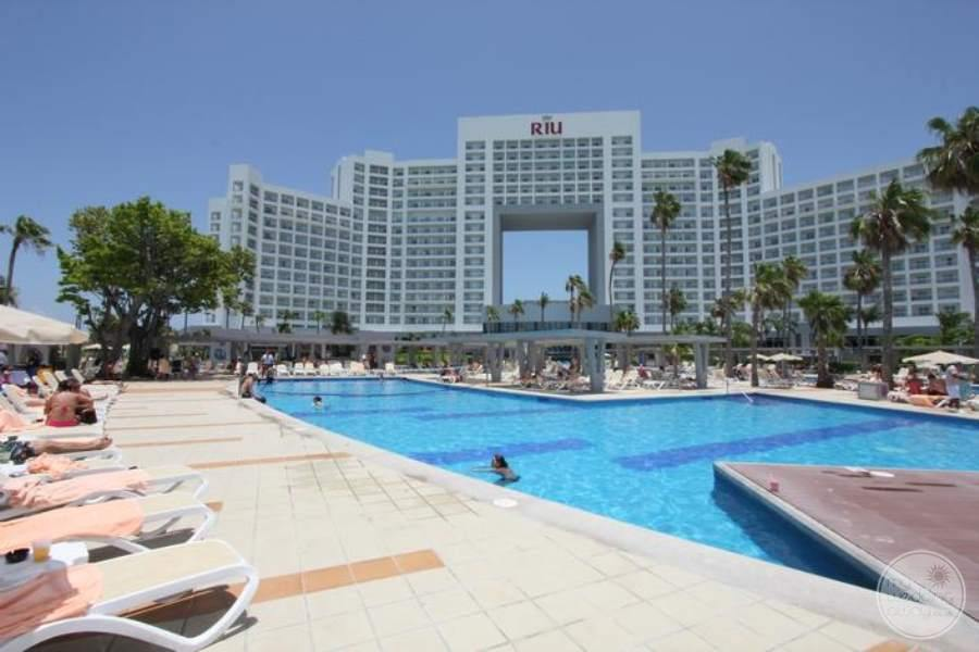 Riu Palace Peninsula Pool 3