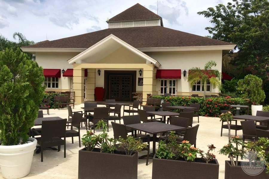 Secrets Wild Orchid Outdoor Seating