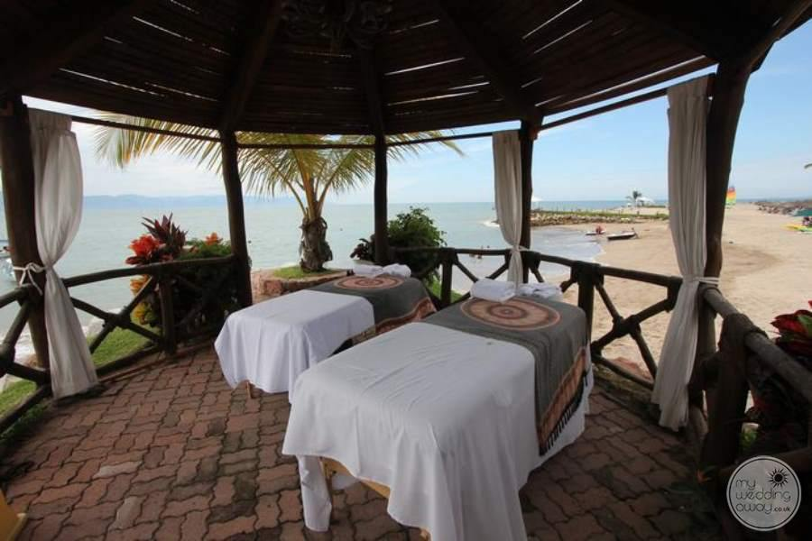 Villa Del Palmar Massage Beds