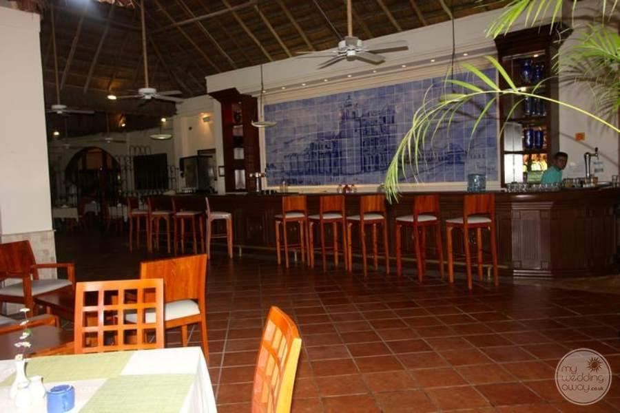 Allegro Playacar Bar