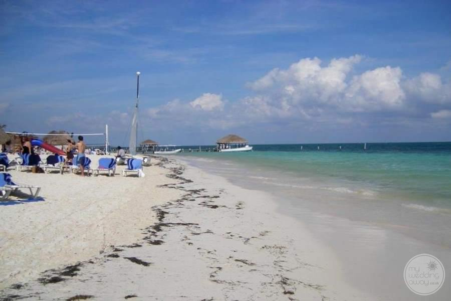 Azul Beach Hotel Beach