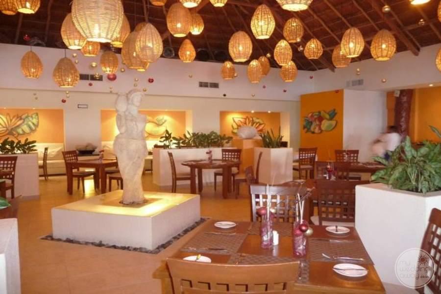 Azul Beach Hotel Dining