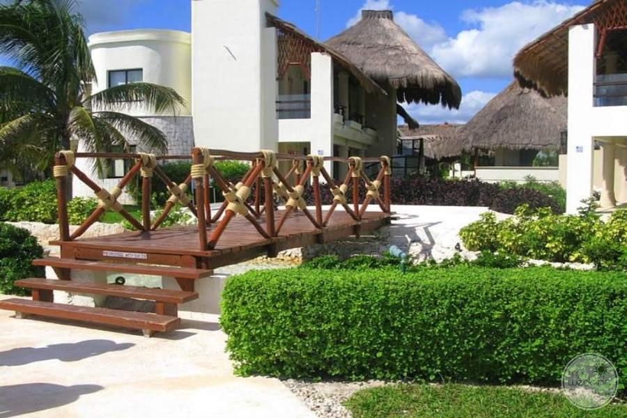 Azul-Beach-Hotel-Grounds