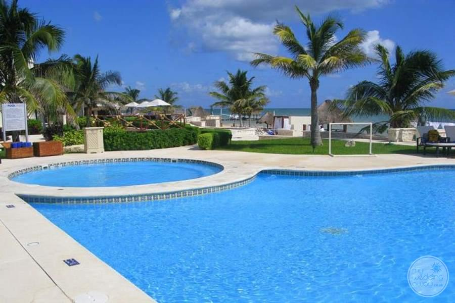 Azul Beach Hotel Pool