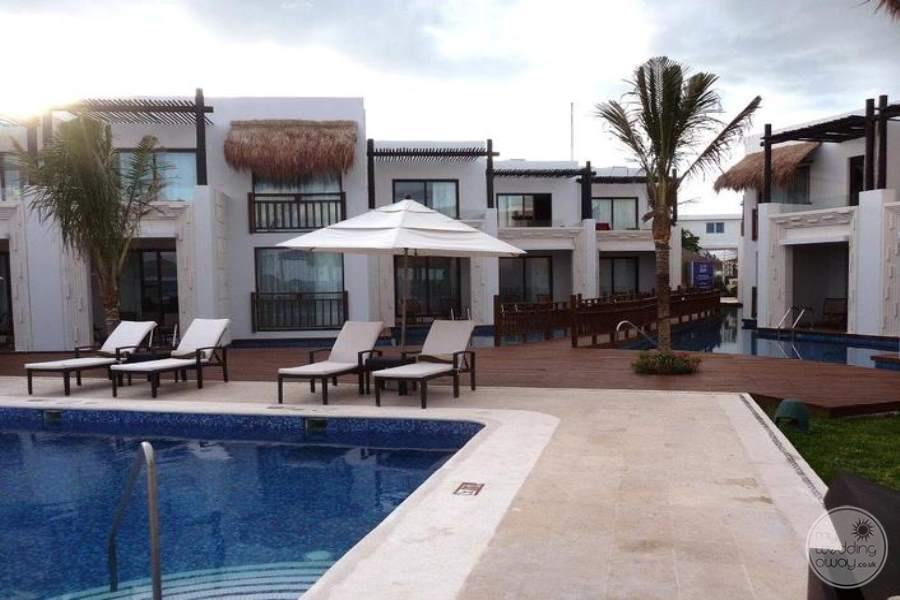 Azul Beach Hotel Swim-out Suites