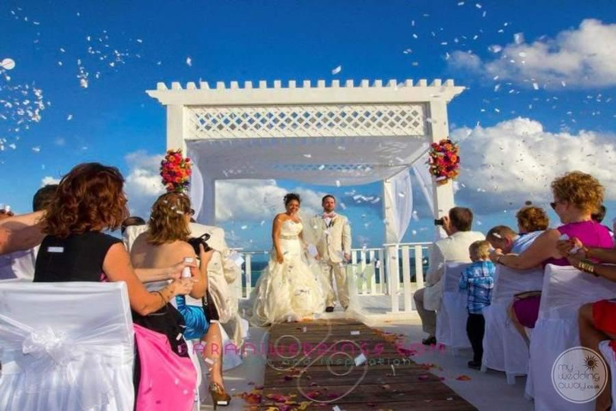 Azul Beach Hotel Wedding Phot by Sarani Weddings