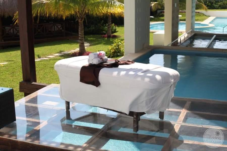 BlueBay Grand Esmeralda Luxury Massage