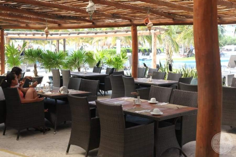 BlueBay Grand Esmeralda Pool View Restaurant