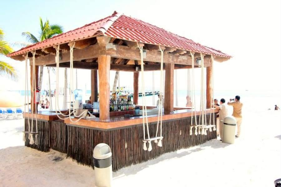 Grand Porto Real Beach Bar