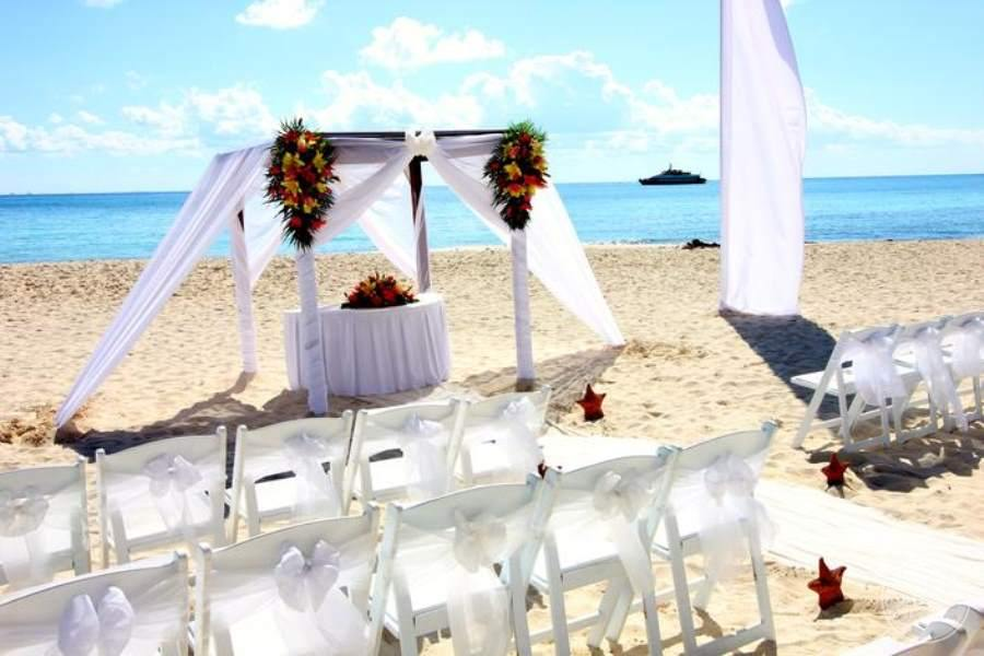 Grand Porto Real Beach Wedding 3