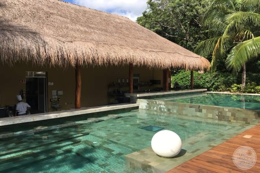 Grand Velas Riviera Maya Swim up Bar 2