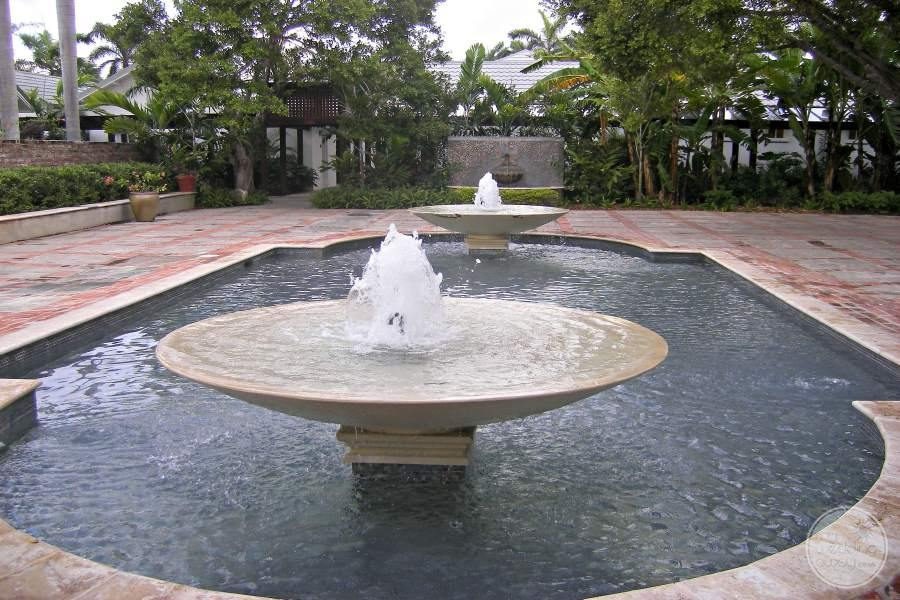 Half Moon Montego Bay Water Feature