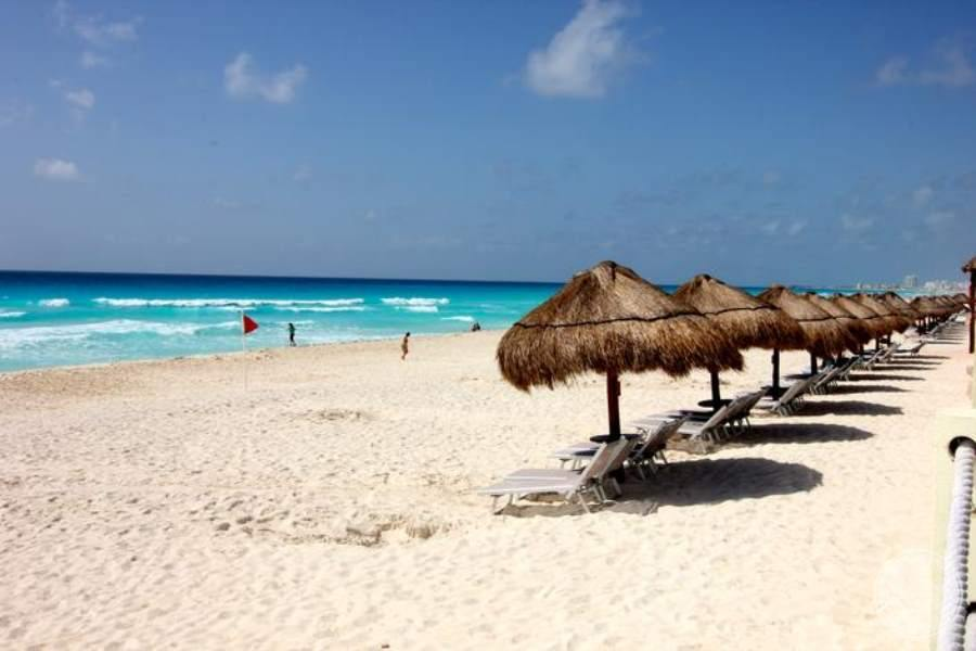 Paradisus Cancun Beach Loungers