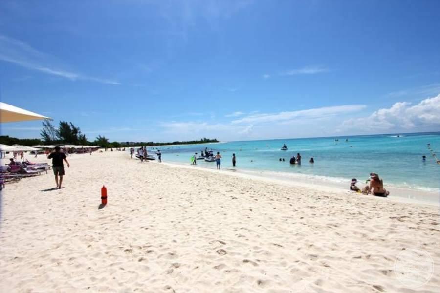 Paradisus La Esmeralda Beach Area