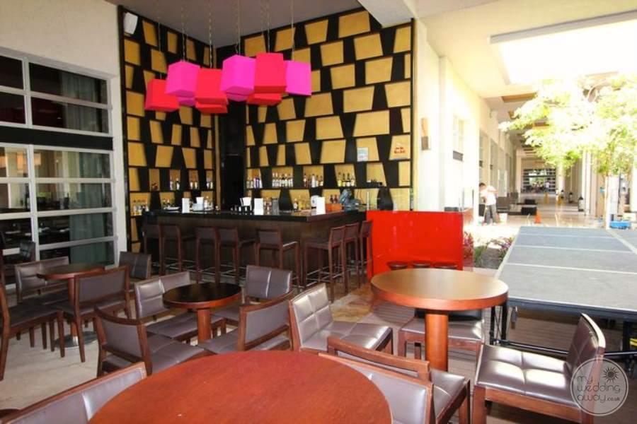 Paradisus La Esmeralda Lobby Bar