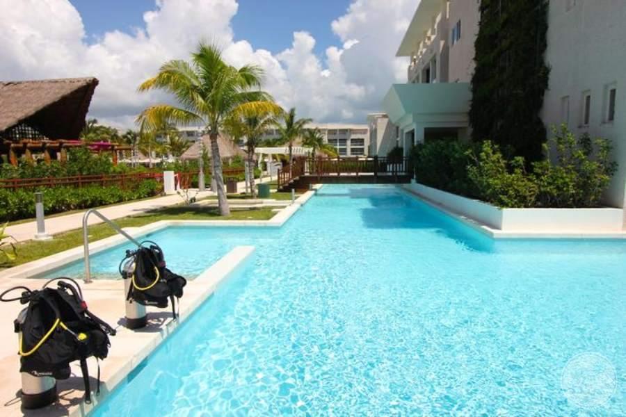 Paradisus La Perla Scuba Pool