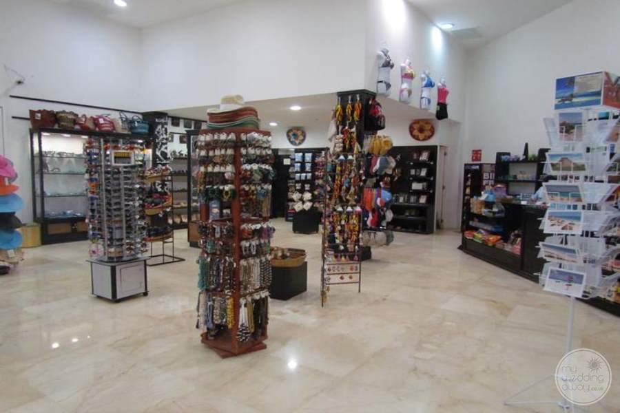 Playacar Palace Shopping