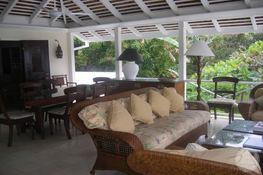 Round Hill Hotel Villas Covered Patio
