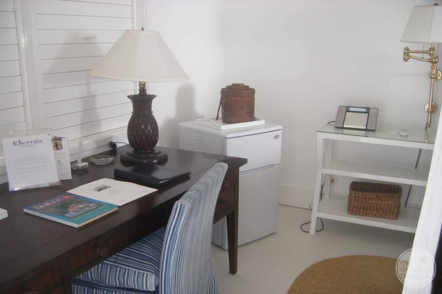 Round Hill Hotel Villas Writing Desk