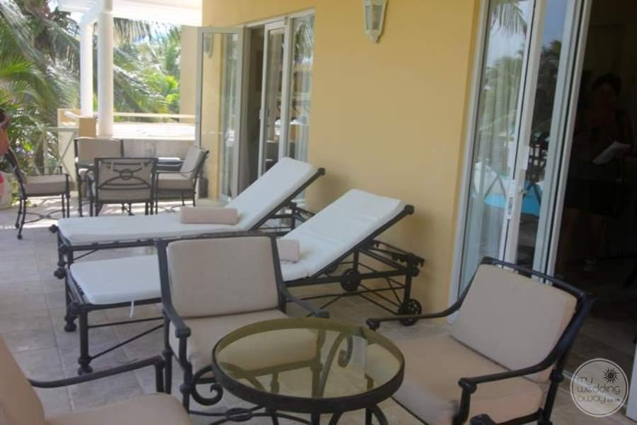 Royal Hideaway Balcony Lounge Chairs