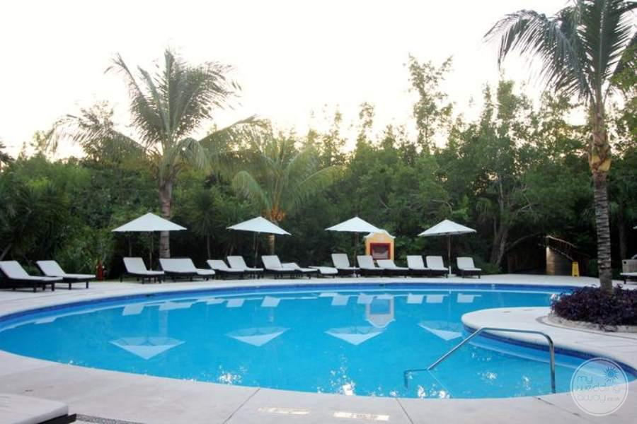 Royal Hideaway Pool and Lounge Chairs