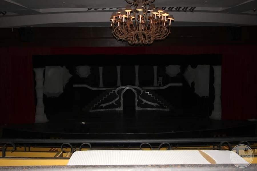 Royal Hideaway Theatre