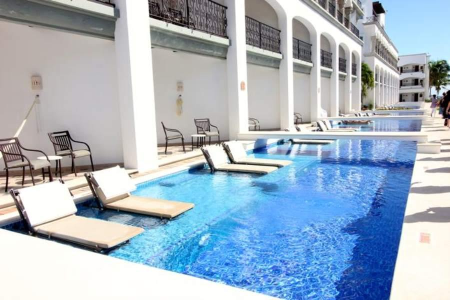 Royal Playa del Carmen Plunge Pool