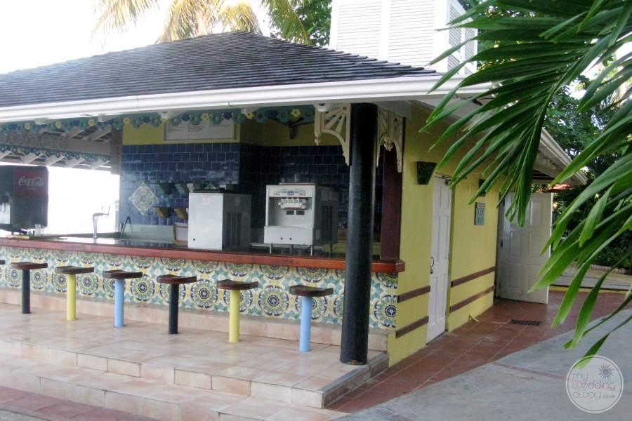 Sandals Negril Bar