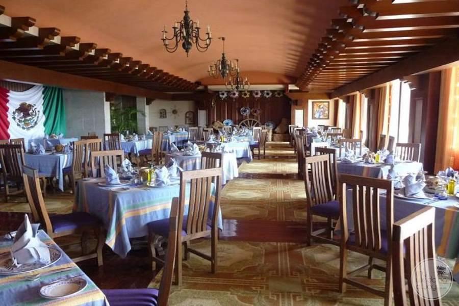 Barcelo Huatulco Dining 2
