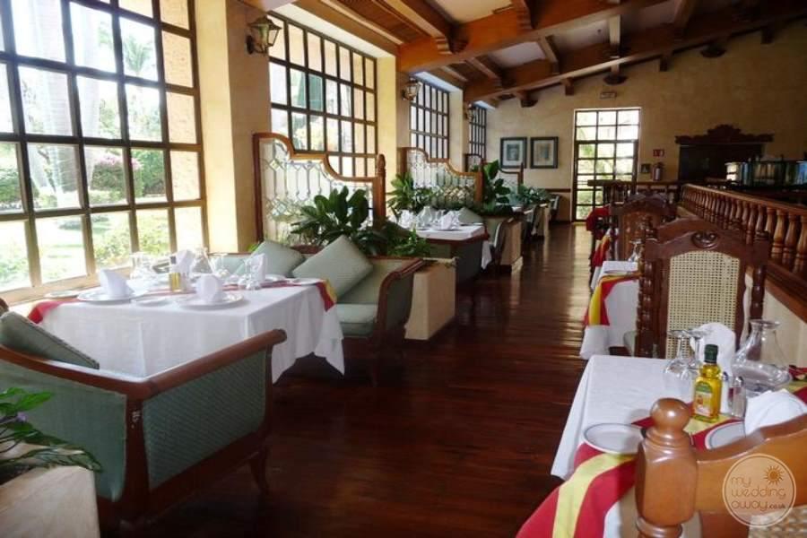 Barcelo Huatulco Dining 4