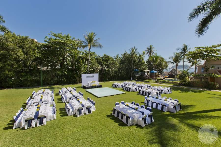 Barcelo Huatulco Outdoor Wedding Reception