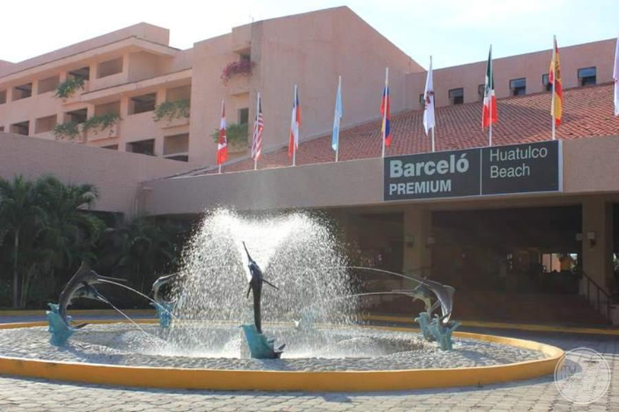 Barcelo Huatulco Resort Entrance