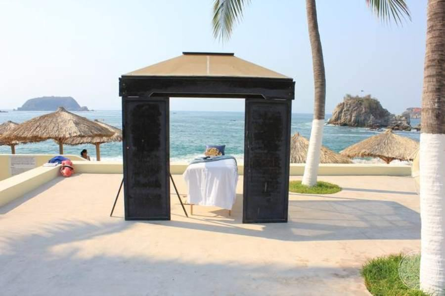 Dreams Huatulco Beach Massage Area